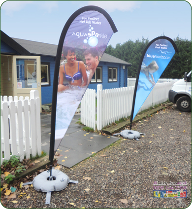 Teardrop pole and bag small - 3m pole black no graphics sign