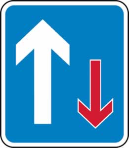 700 x 800 mm Dibond Give way to oncoming traffic Road Sign without channel made from Aluminum Composite sign