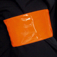 Orange armband - add your own text min 20 sign.